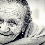 長生きしてるおばあちゃんたちは砂糖をたくさん消費してるしミネラルウォーターなんて飲んでいない